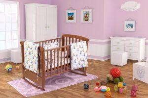 Set patut bebe, cearceaf cu elastic pentru saltea 60x120x10, pernuta 37×55, pilota 100×105, aparatori 180×45, model Ursuleti