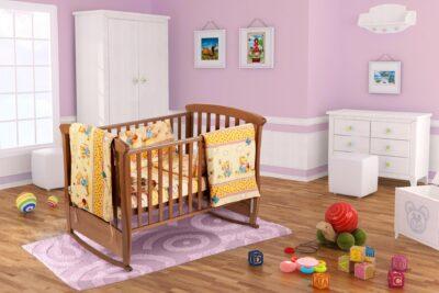 Set pentru patut bebe, cu aparatori, model Honey