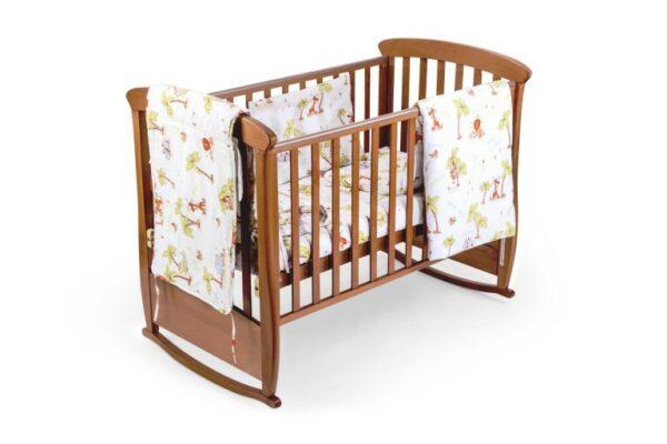 Set pentru patut bebe, cu aparatori, model Jungle