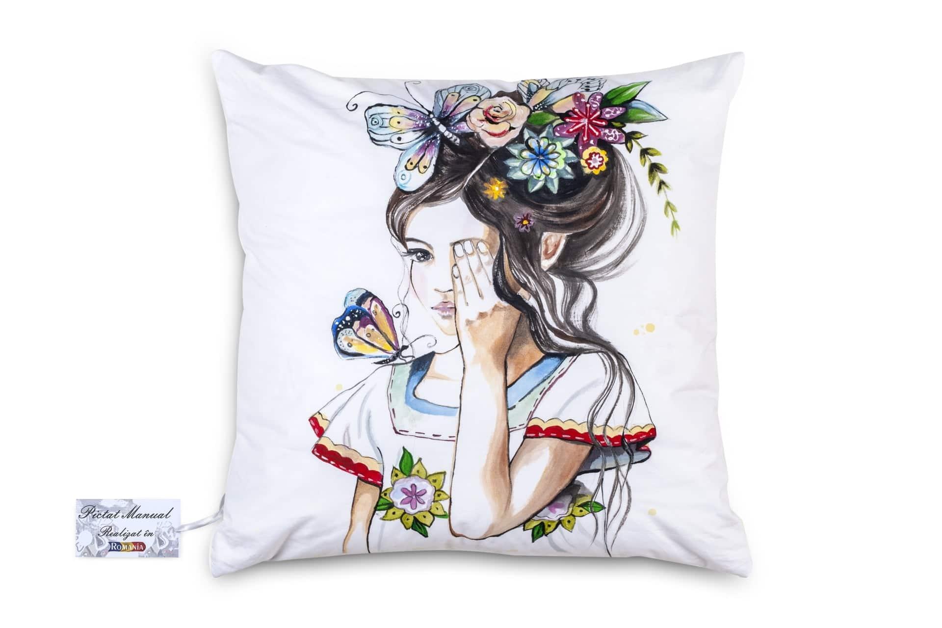 Perna Decorativa pictata manual 40x40 cm MC04 poza somnart.ro
