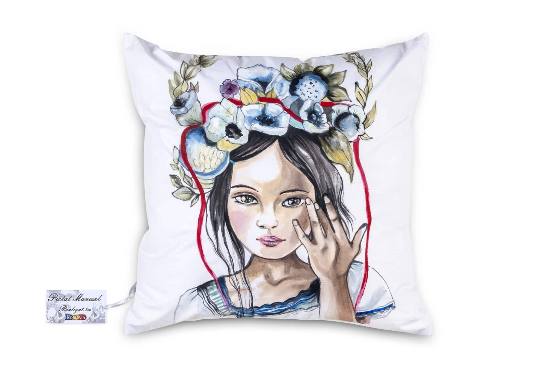 Perna Decorativa pictata manual 40x40 cm MC05 imagine 2021 somnart.ro