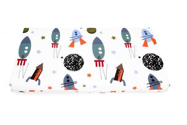 Saltea Pat Somnart Memory cu husa protectie impermeabila pentru bebelusi si copii model Rachete 60×120