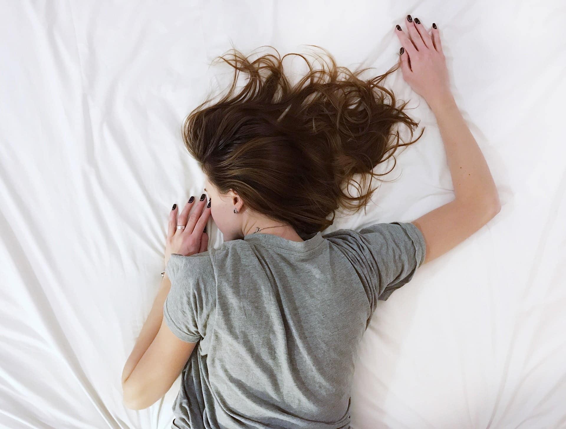 cea mai bună poziție de dormit pentru pierderea în greutate)