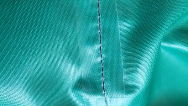 Combinezon impermeabil cusaturi sigilate, material fas poliester, cu fermoar, gluga si elastice, avizat – L