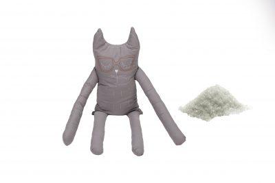 Perna in forma de pisica SomnArt, bumbac, umplutura sare, Gri